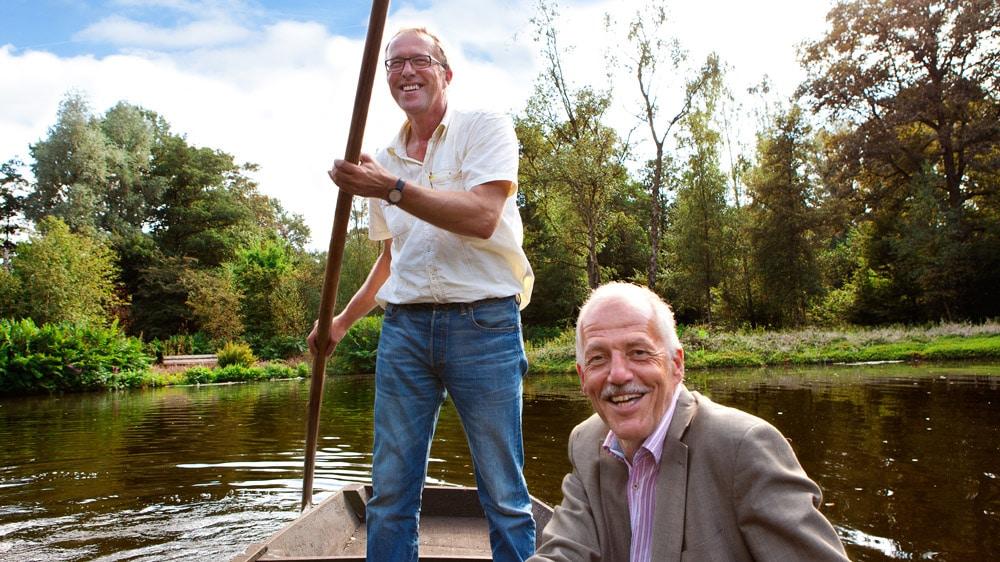 Cor Groeneveld en Cor Molleman varend in de Heemparken