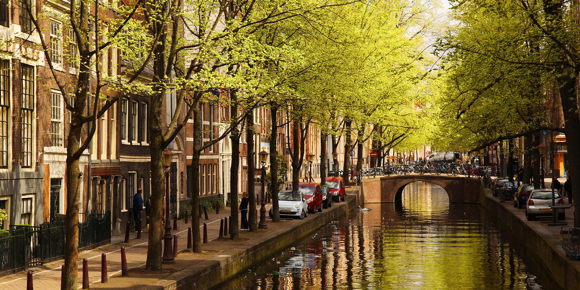 Combinatie BouwRisk, Iv-Infra en RPS monitort Amsterdamse kades en bruggen