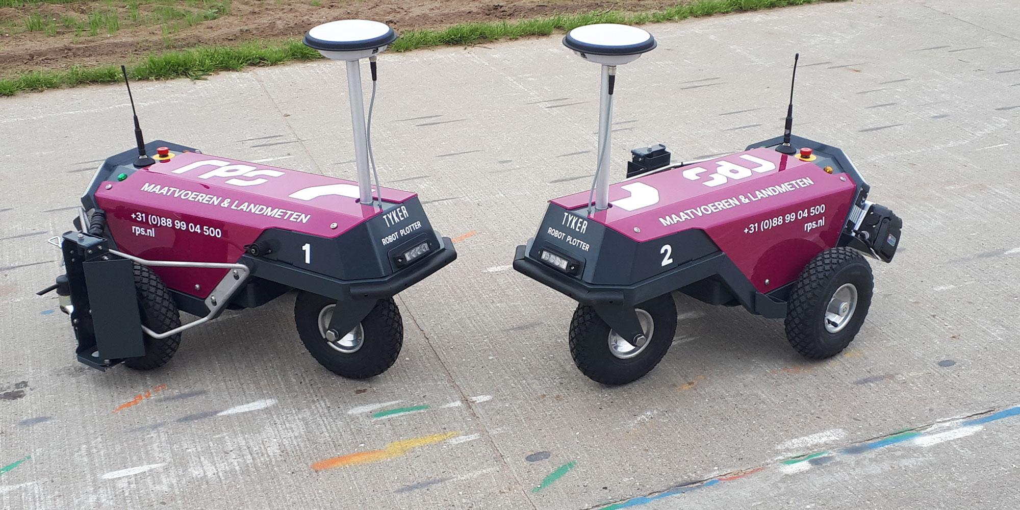 Twee nieuwe robots voor uitzetten wegmarkeringen