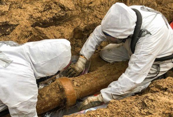 BIJLAGEDETAILS RPS-artikel-asbesthoudende-kit-gresriool-risicoklasse-1-detailfoto-moffenkit-saneren-uitgelicht