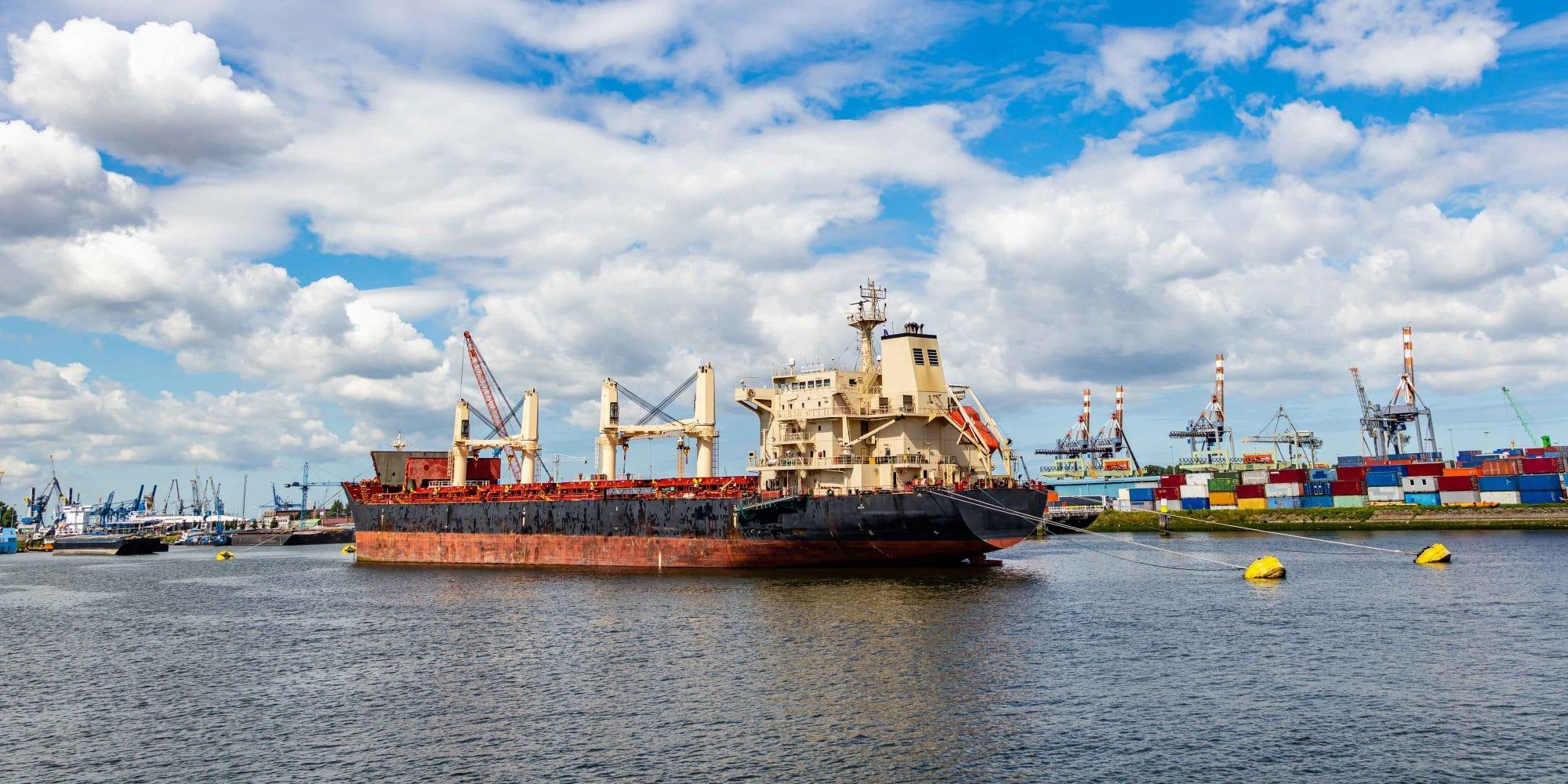 Ramon Heeres houdt Rotterdamse haven bevaarbaar