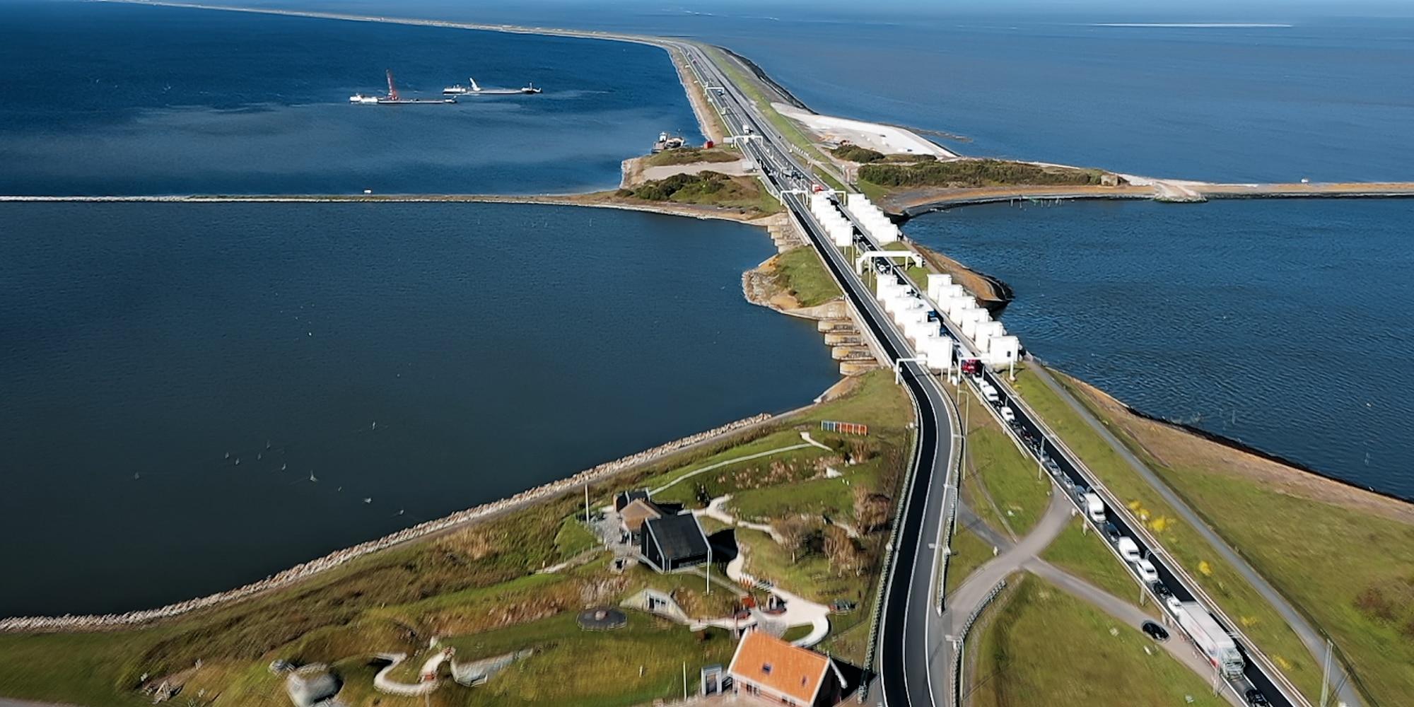 Scherpe ogen bij inspectie van de Afsluitdijk